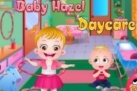 Bébé Hazel à la halte-garderie