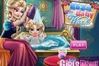 Elsa Bébé Au bain